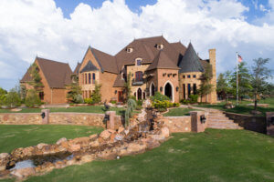 1/15 GORGEOUS HILL TOP ESTATE