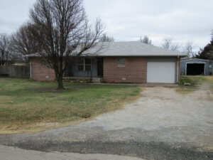 2/11 Brick Home w/ 2.21± ACRES  COVINGTON OKLAHOMA