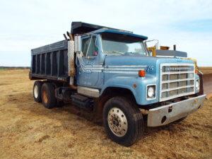 -International Dump Truck 2500