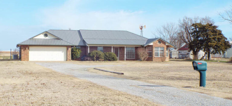 4/19 RANCH STYLE HOME * 19± ACRES * SHOP * HORSE BARN/STALLS