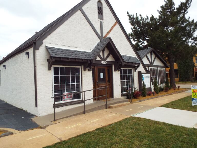 4/18 Commercial Office Building * Office Furniture- Enid OK
