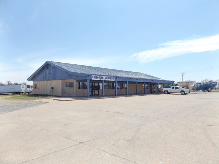 5/13 5,000 ± SQ.FT. COMMERCIAL BUILDING ENID OK