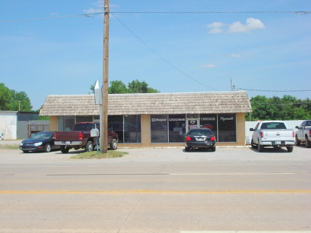COMMERCIAL PROPERTY * ZONED C2 * 4.08 ACRES * N. 4TH FRONTAGE  ENID OK
