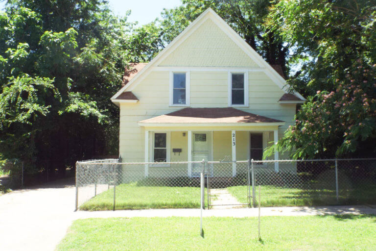 2 STORY HOME * 1,724± SQ.FT Enid OK