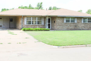 8/7 Brick Home * Established Neighborhood  HENNESSEY OK