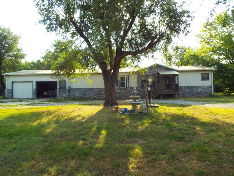 9/13 HOME * 2- VACANT LOTS  PECAN TREES * SMALL TOWN BRECKINRIDGE OK