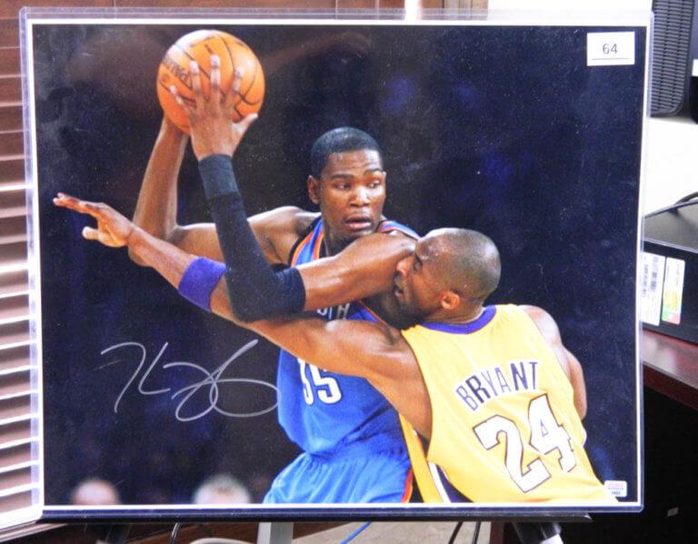 10/8  Sports Memorabilia Online Only Auction