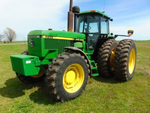 4/23 TRACTORS – TILLAGE – SPRAYERS – VEHICLES – TRAILERS – CATTLE